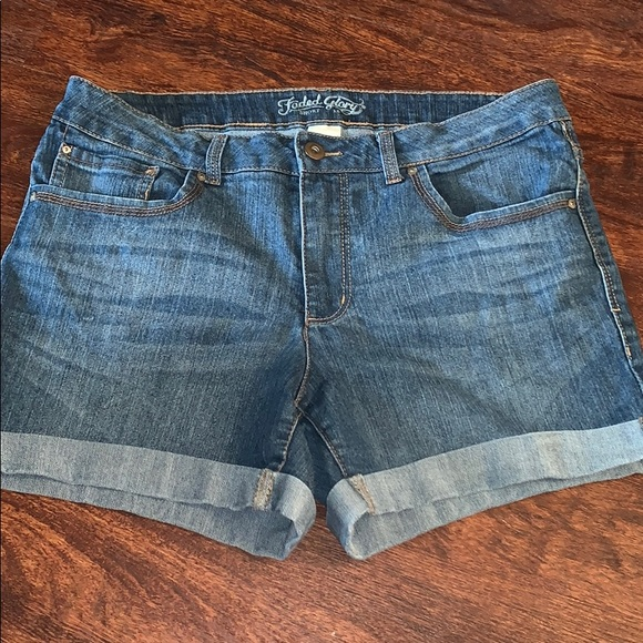 Faded Glory Pants - Women shorts size 16